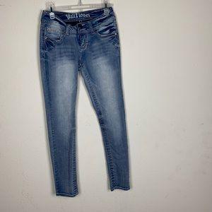 Wallflower- Medium Wash Skinny Jeans size 5